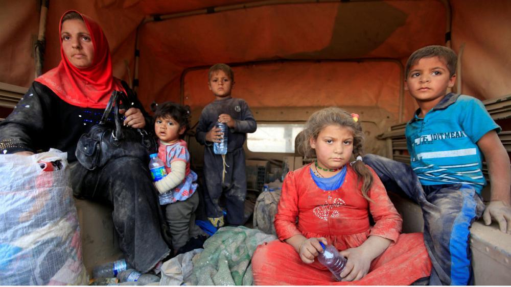 صلیب سرخ جهانی 25 هزار بسته غذایی میان آوارگان موصل توزیع کرد