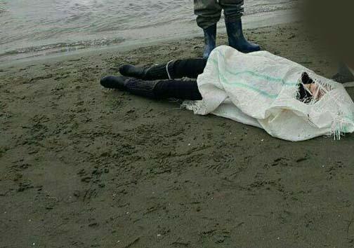 کشف جسد زن جوان در دریای چالوس +عکس