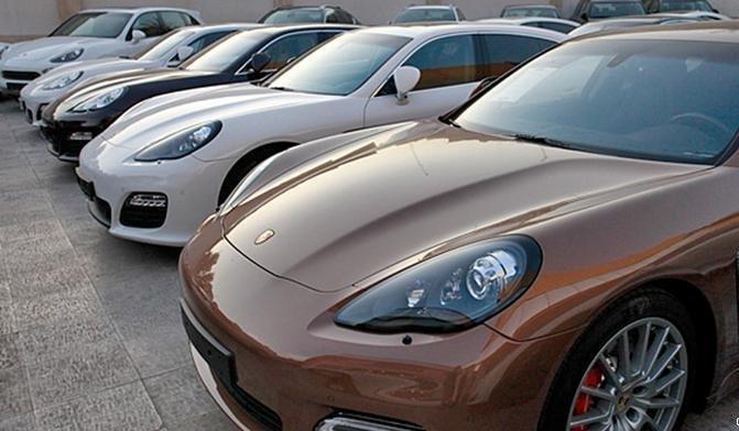 قیمت خودرو خارجی با بازشدن سایت ثبتسفارش کاهش خواهد یافت؟/ خودروسازان هم خودرو وارد میکنند!