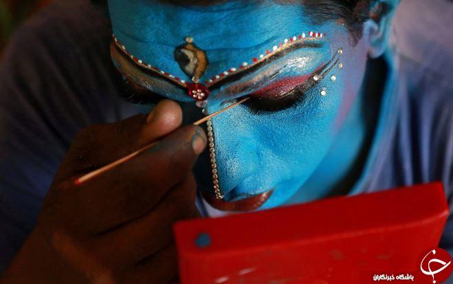 تصاویر روز: از مراسم مذهبی دانش آموزان هندی تا هنرنمایی سارها در اسپانیا