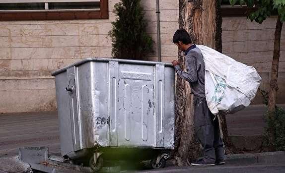 مرد 16 ساله! میان آشوبگران به دنبال یک لقمه نان/ معترضان واقعی حرفشان نان است نه تخریب