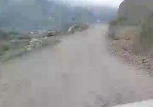 فقدان روکش آسفالت در جاده «رحمتآباد» + فیلم