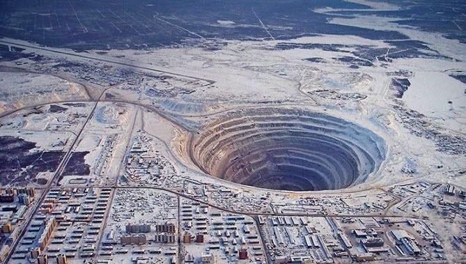عجیب ترین و ترسناک ترین حفره های روی زمین + فیلم