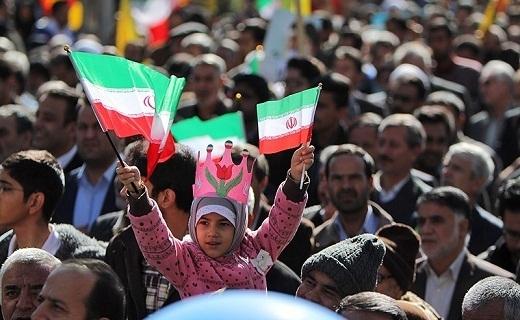 دستگیری عوامل نزاع خونین در شاهرود / راهپیمایی مردم انقلابی سمنان علیه آشوبگران به روایت تصویر
