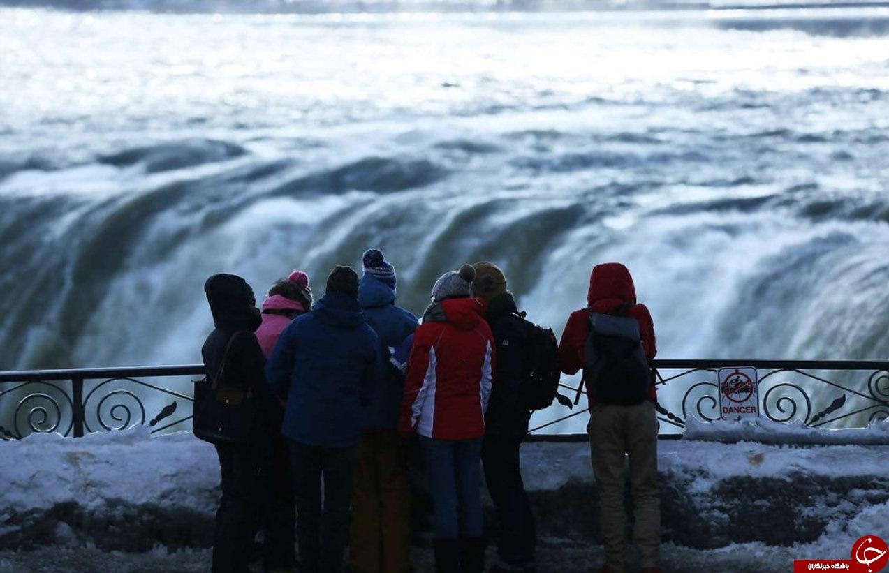 تصاویری شگفتانگیز از آبشارهای یخ زده