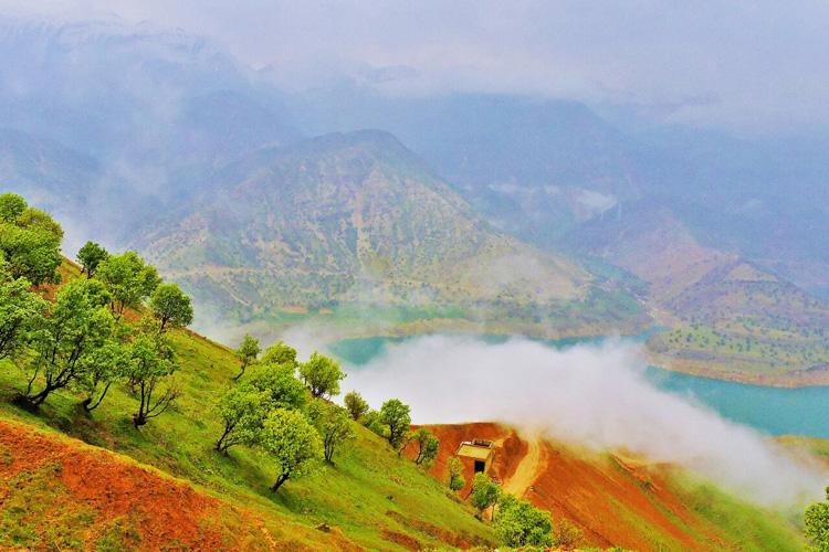 زراس؛ یاقوتی سبز در دل کوههای سر به آسمان کشیده