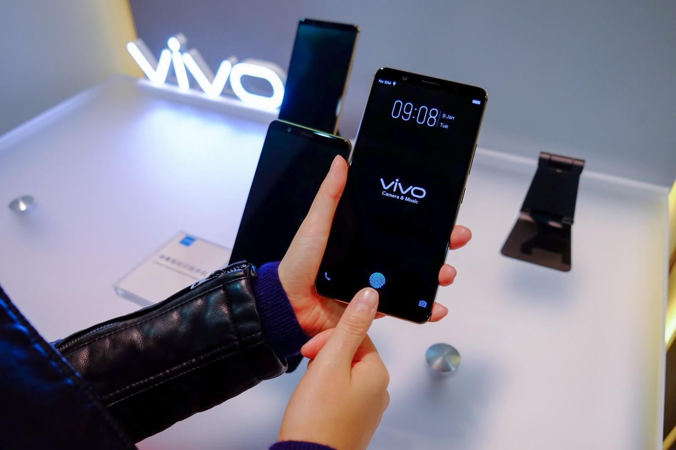 معرفی اولین گوشی هوشمند با حسگر اثر انگشت زیر صفحه نمایش +فیلم