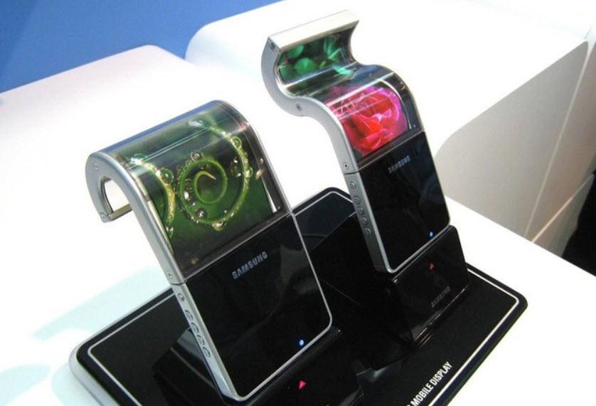 معرفی گوشی قابل انعطاف سامسونگ به سال آینده موکول شد