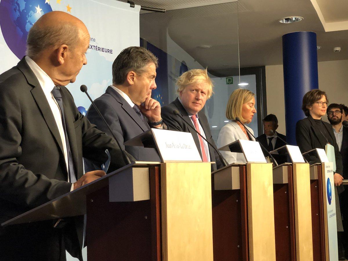 نشست برجامی ظریف با وزرای خارجه سه کشور اروپایی در بروکسل / حمایت موگرینی و تروئیکای اروپایی از توافق هستهای ایران