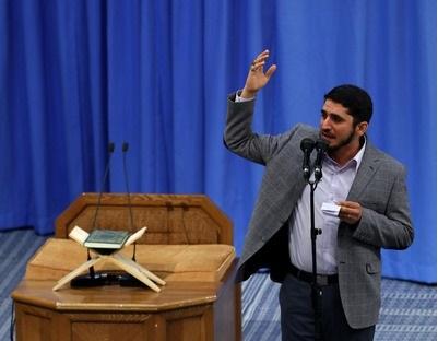 نوحهسرایی امیر عباسی در حضور رهبر انقلاب در دیدار مردم قم +فیلم