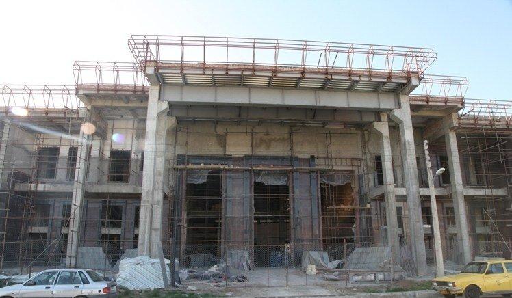 پیشرفت فیزیکی ۹۴ در صدی تالار مرکزی ارومیه/ پیش بینی افتتاح در خرداد ۹۶