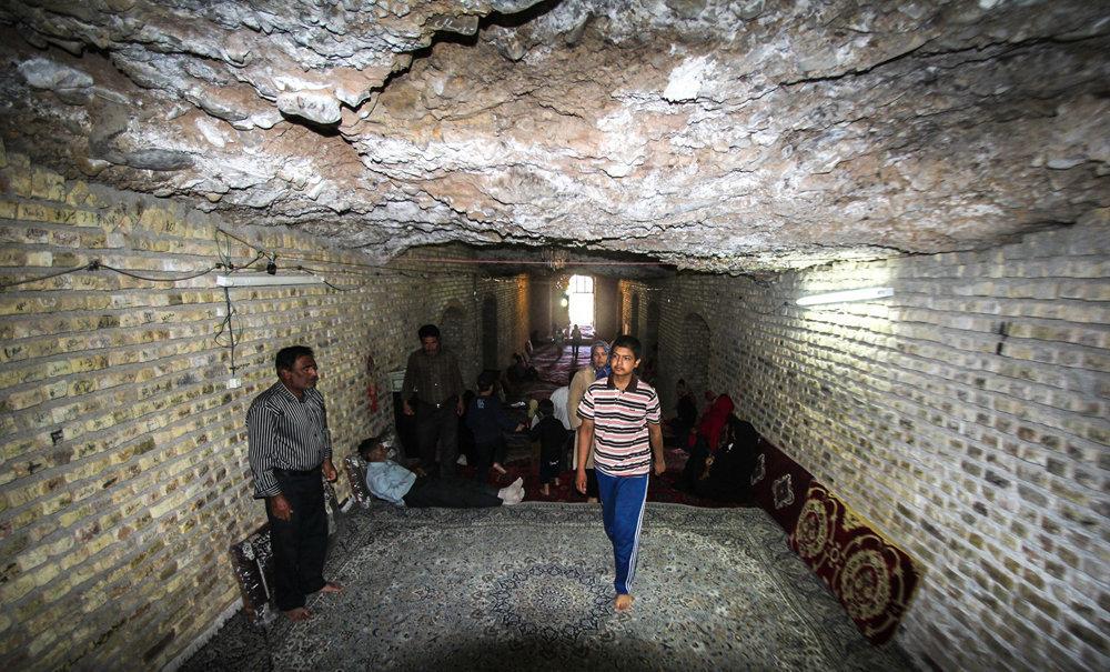 امام زاده هایی در دل غار+ تصاویر