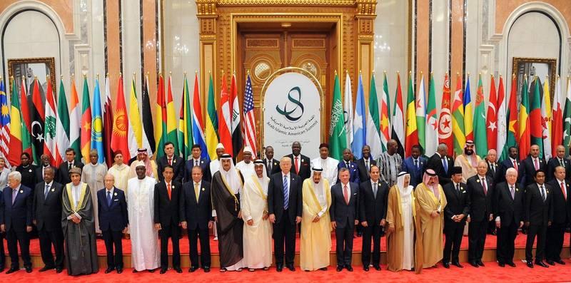 رایالیوم: ترامپ دیوانه نیست، سران کشورهای عربی دیوانهاند که برای او فرش قرمز پهن میکنند