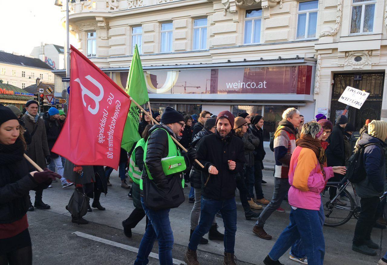 راهپیمایی مردم اتریش علیه سیاستهای دولت