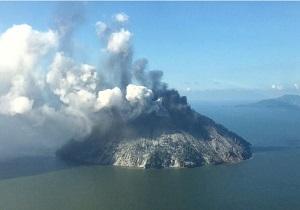 تخلیه ساکنان جزیرهای در پاپوآ گینه نو در پی فوران آتشفشان