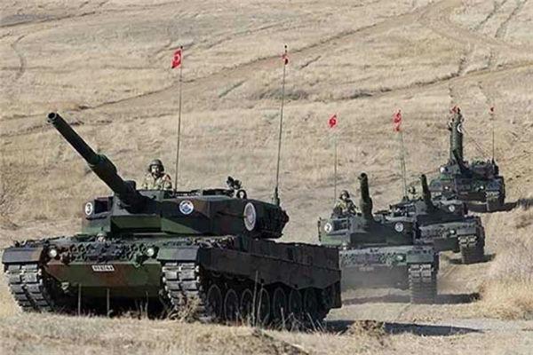 ارتش ترکیه تجهیزات نظامی  را به مناطق مرزی خود با سوریه انتقال داد.