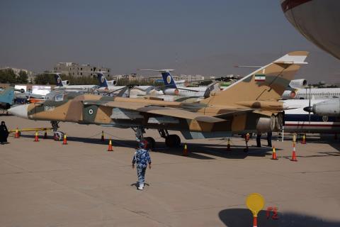 اورهال جنگنده سوخو 24 در پایگاه شهید دوران