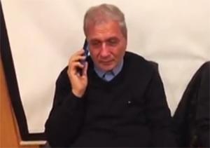 اشک ریختن وزیر کار در گفتگوی تلفنی با همسر یکی از شهدای کشتی «سانچی» + فیلم