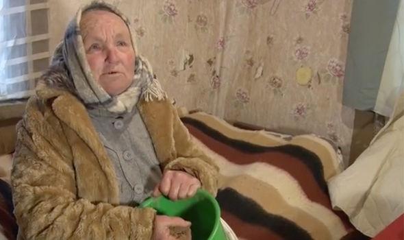 روش عجیب پیرزن لیتوانیایی برای درمان تومور مغزی+ عکس و فیلم