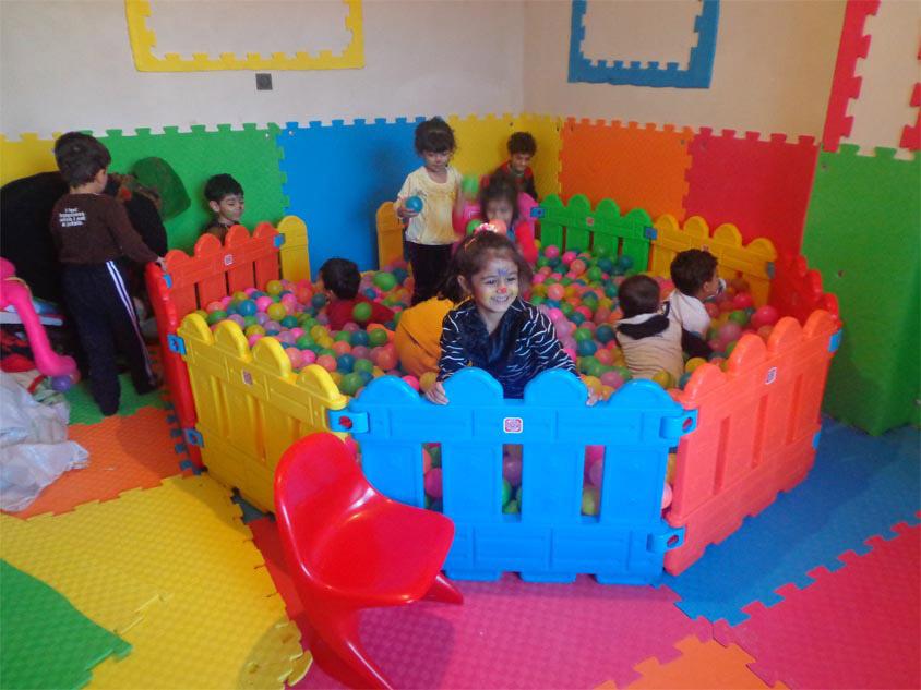 Image result for کودکان در مهدکودک