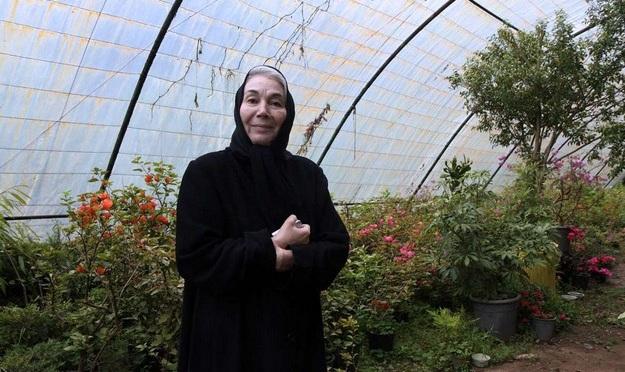 خاطره تلخ پروانه معصومی بعد از دریافت سیمرغ در جشنواره پنجم فجر/  باید تحت هر شرایطی در سینما، حجاب خود را حفظ کنم