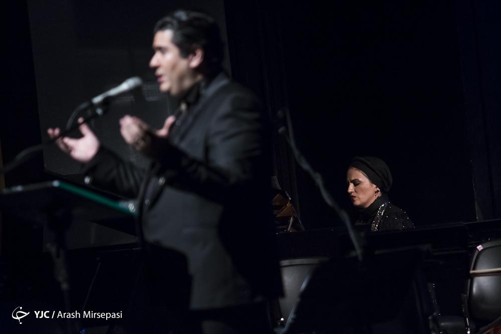 ارکستر ملی با صدای سالار عقیلی روی صحنه رفت/ یادی از شاعر ترانههای حماسی