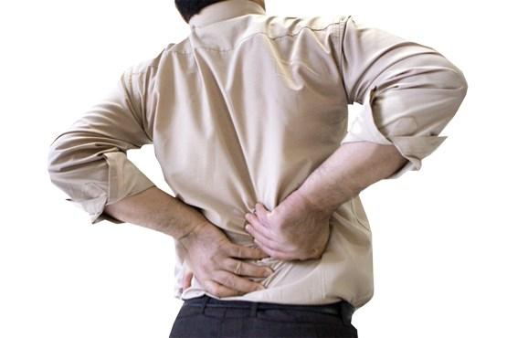 ۱۰ فعالیت روزمره که به کمرتان آسیب میرساند