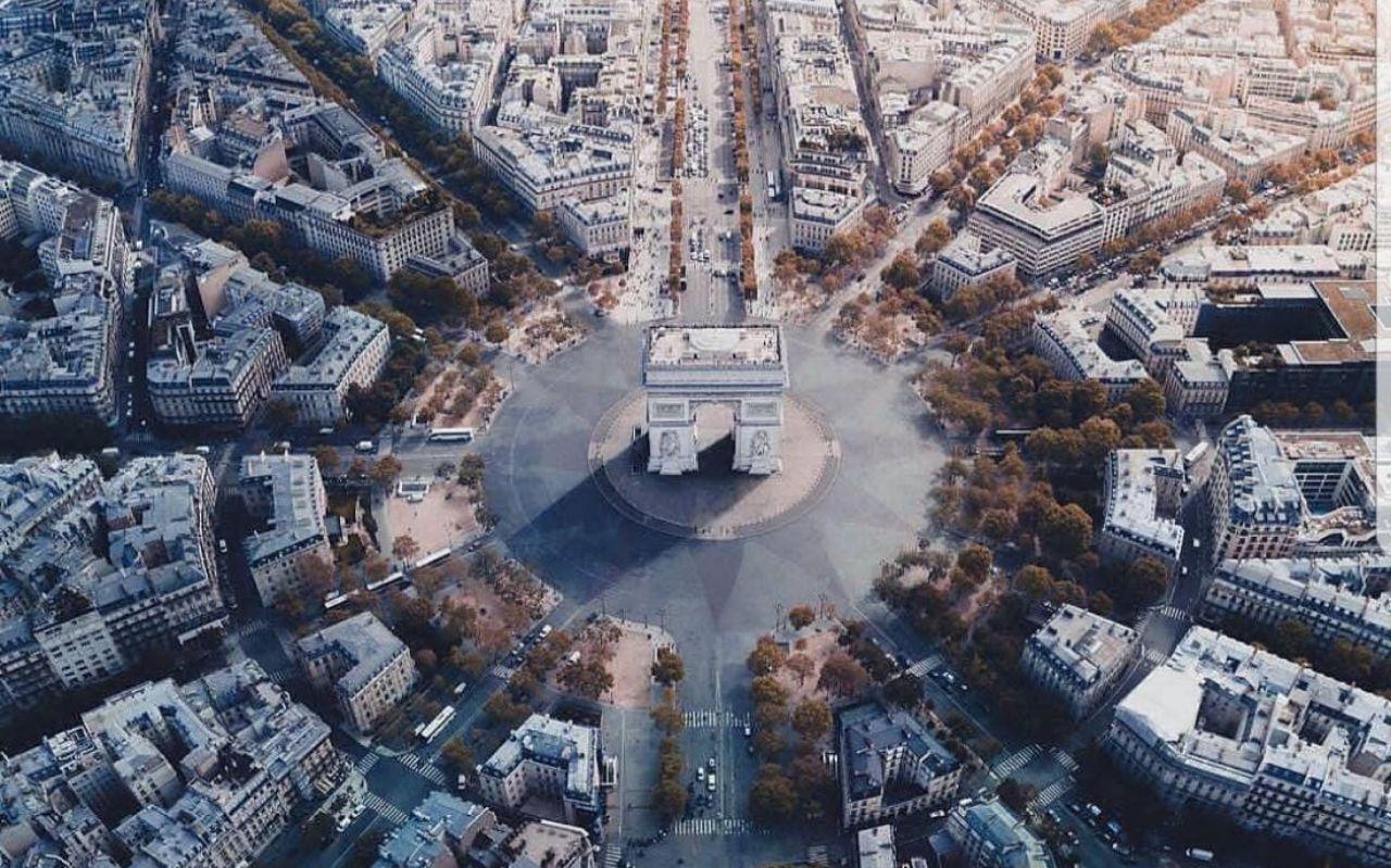 دوازده خیابان؛ یکی از جاذبههای گردشگری پاریس + تصویر