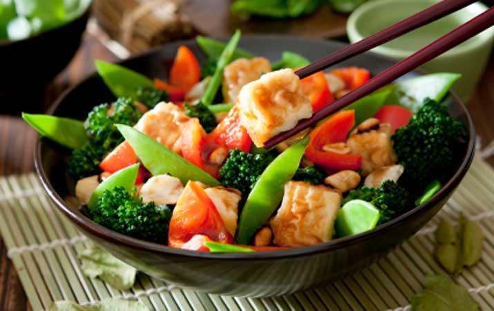این بیماری هزارچهره را بشناسید/تغییر سبک زندگی فشار خون را کاهش میدهد/میان وعدههای مناسب کاهش وزن چیست؟/ گیاهخواری مطلق ممنوع!