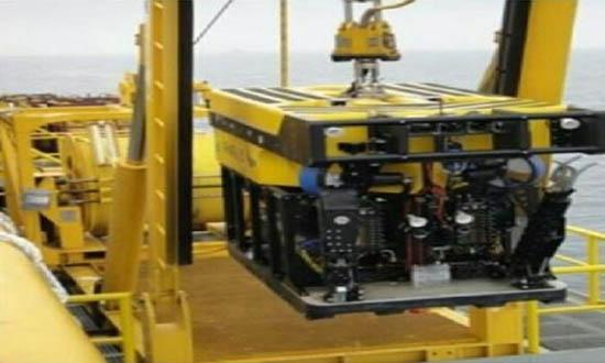رباتهای زیردریایی به محل غرق شدن سانچی رسیدند/جستجو برای یافتن پیکر جانباختگان فردا آغاز میشود