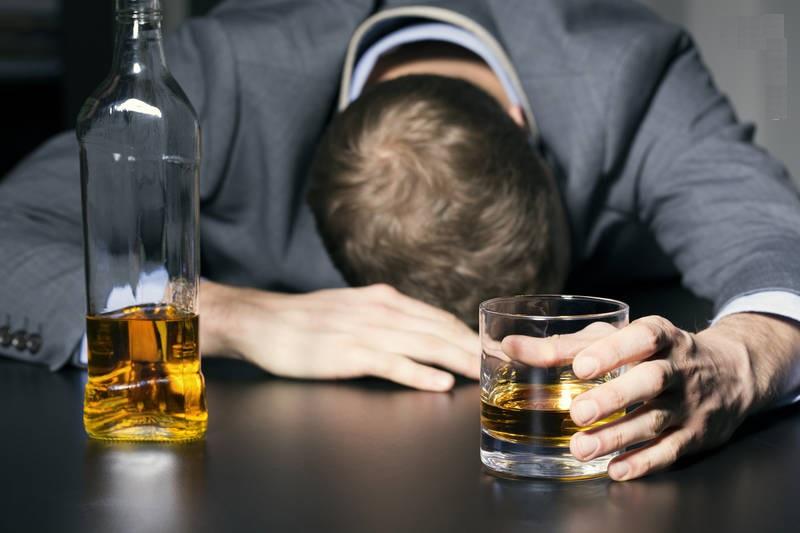 مستترین قاره جهان؛ مشروبات الکلی چه بر سر اروپاییان آورده است؟+ آمار