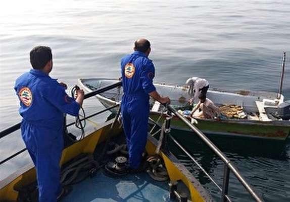 باشگاه خبرنگاران -نجات ۹ صیاد گرفتار در آب های دریای عمان