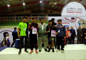 کسب دو نشان نقره پیکارهای کشتی قهرمانی کشور