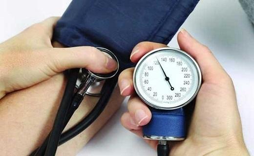 با آنتی اکسیدانها جوان بمانید/ بلند خواندن بهترین روش مطالعه/ خطر افت فشار خون در سالمندان/ از استرس های مفید نترسید