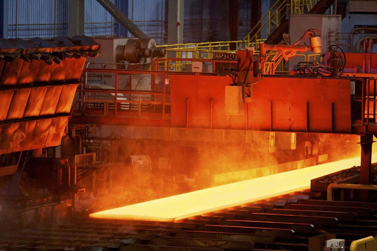 افزایش تعرفه صادرات سنگ آهن، رانت دولت به کارخانههای فولاد است