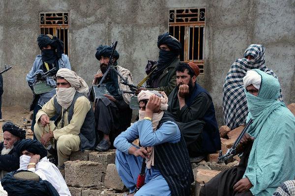 طالبان 8 مرکز درمانی در ولایت بادغیس را مسدود کردند