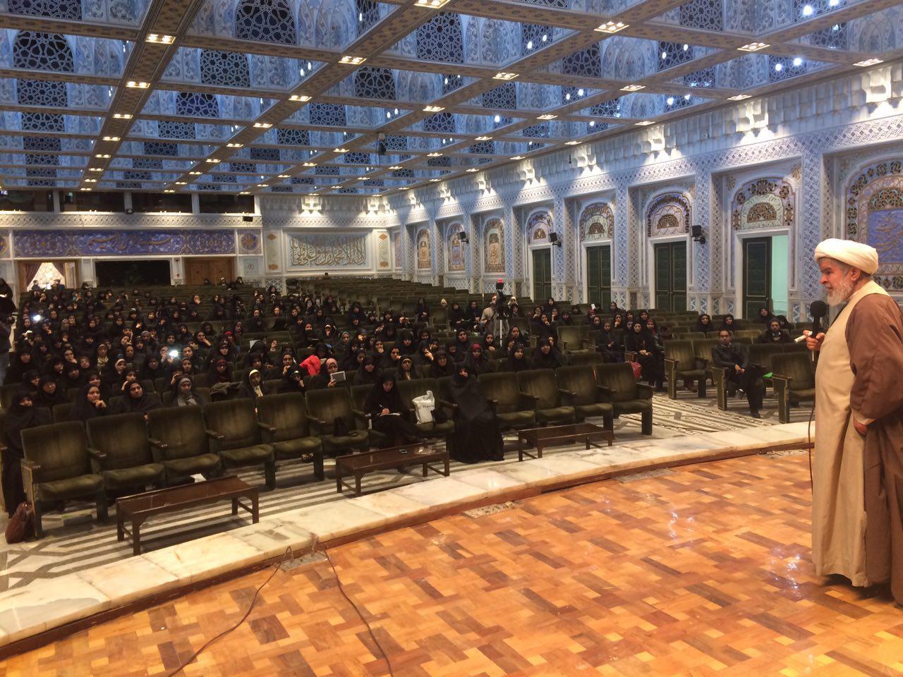 برگزاری سومین جشنواره غنچههای امید در حرم مطهر رضوی
