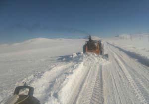 بارش برف و مسدودی راه ارتباطی در «بلبل» + تصاویر