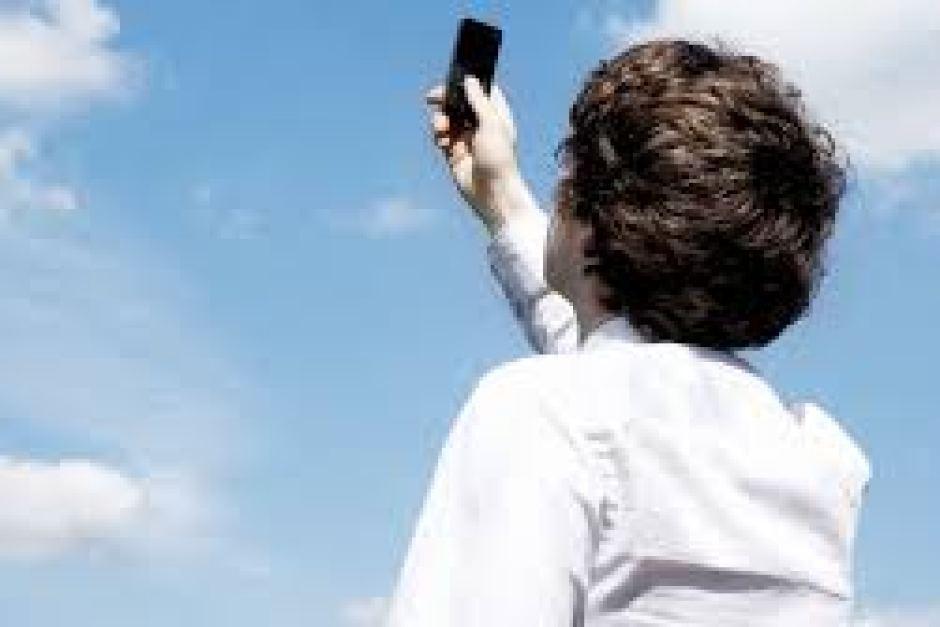 مشکل ارتباطی تلفن همراه در ملکشاهی برطرف شد