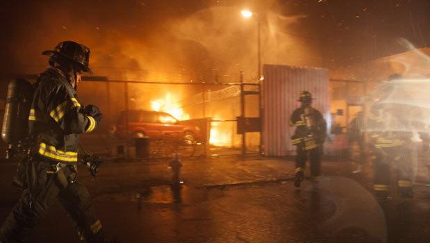 زخمی شدن ۱۵ تن در آتش سوزی یک ساختمان در نیویورک