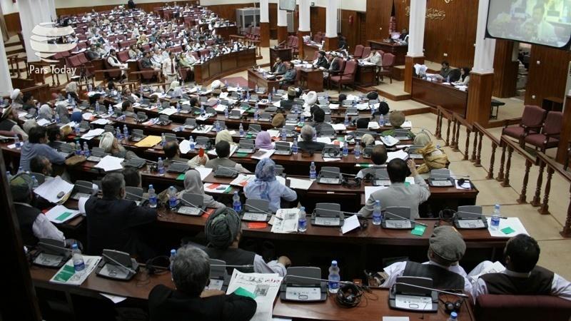انتقاد نمایندگان از نفوذ ارگ در هیات اداری مجلس