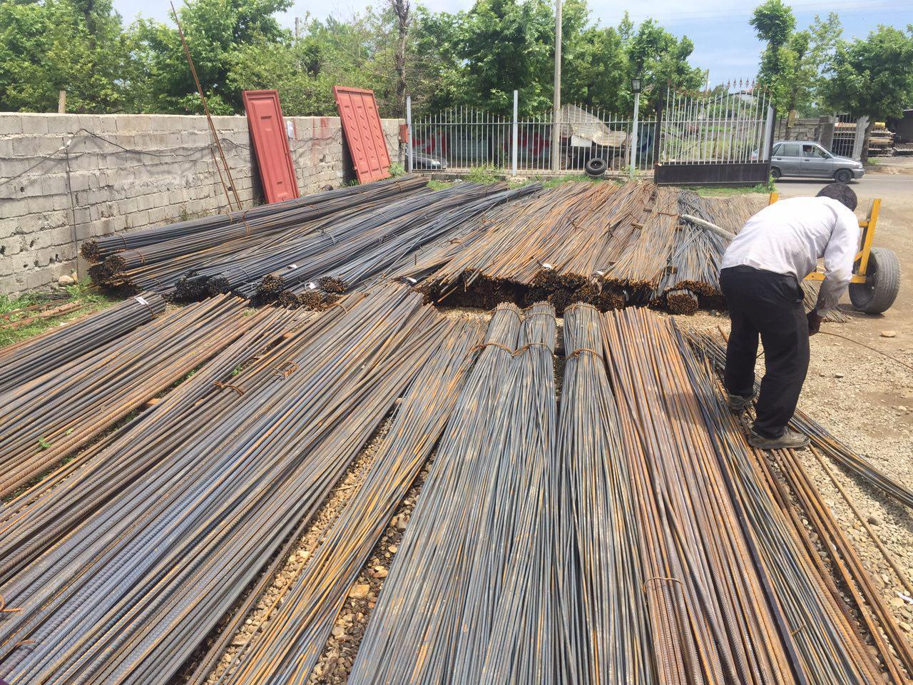 تنگنای آهن سازان و آهن فروشان/محوری ترین صنعت کشور،غرق در رکود