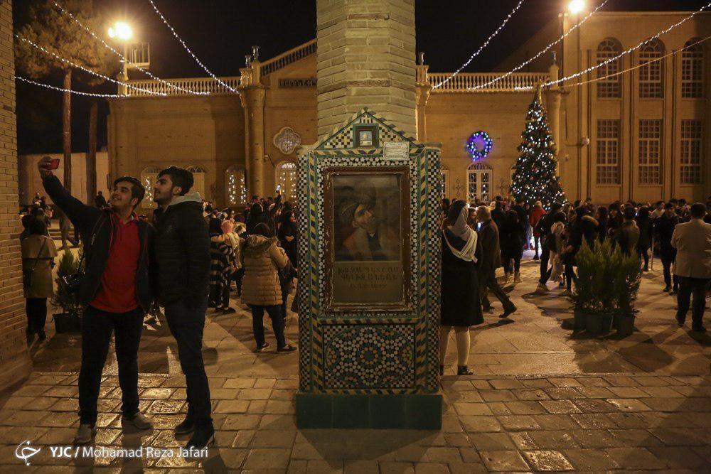 صدای پای بابانوئل در نصف جهان