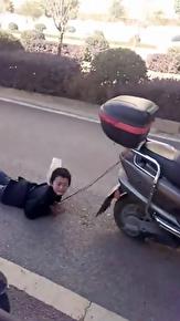 باشگاه خبرنگاران - تنبیه وحشیانه پسر خردسال توسط مادرش + فیلم
