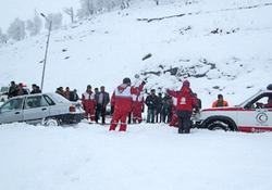 وقوع برف و کولاک در 17 استان کشور/ اسکان اضطراری 154 مسافر