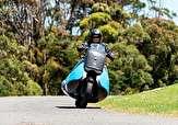 باشگاه خبرنگاران -موتورسیکلتی که کمتر از ۵ ثانیه تبدیل به جت اسکی میشود + فیلم