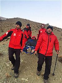 باشگاه خبرنگاران -نجات مرد سالخورده در ارتفاعات شمال تهران+عکس