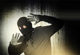 سارقی که هنوز سرقتش تمام نشده به سزای عمل خود رسید+فیلم