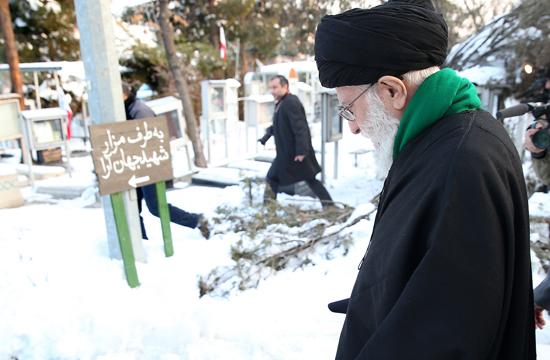 حضور رهبر انقلاب در مرقد مطهر بنیانگذار انقلاب اسلامی و گلزار شهدا