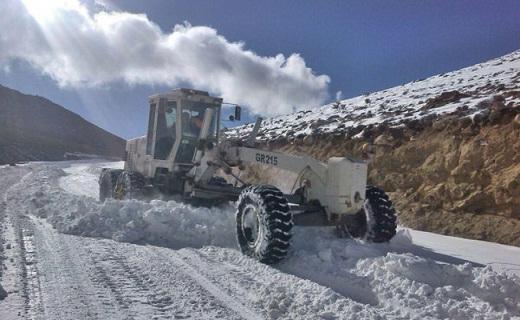 محور اولنگ – شاهرود مسدود است / تب برفکی در کمین دام های استان سمنان